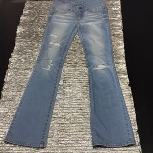 American Eagle distressed blue jeans